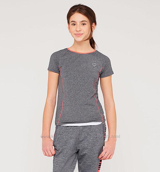 Спортивная серая футболка б-у в отличном состоянии на девочку 8-12 лет