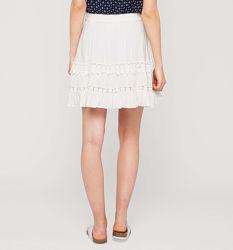 Белая юбочка с вышивкой отличный летний вариант с C&A, в наличии, р-ры S, M