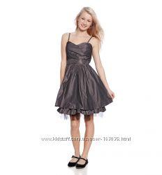Красота - нарядные платья, туники, сарафаны, комплекты для девочек с C&A