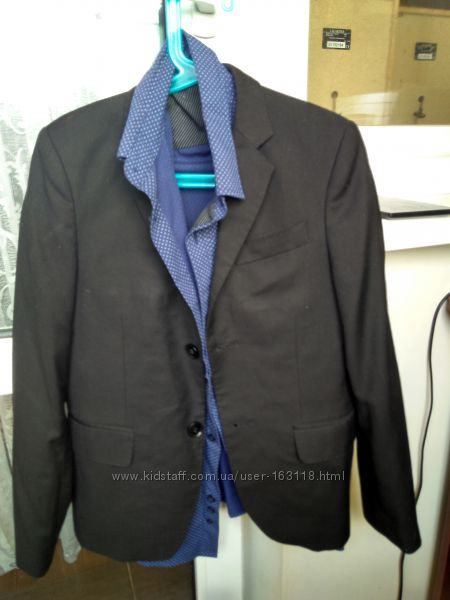 Продам костюм двойка 140-146 см AMBER и брюки