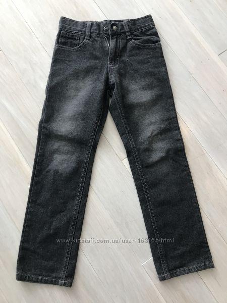Продам джинсы DKNY р. 110-116см.