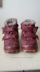 Продам зимние ботиночки Шалунишка 23 р