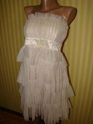 Коктейльное платье Oodji Oggi нежно-кремового цвета