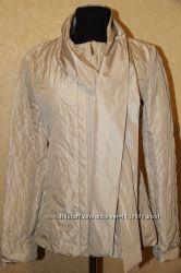 Демисезонная легкая стеганная куртка. Италия.
