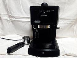 Продам Рожковая кофеварка эспрессо Delonghi EC 146 B Делонги