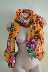 Яркий женский шарф цветочный принт