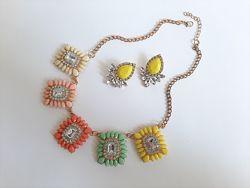 Яскравий кольоровий набір прикрас кольє та сережки з кристалами