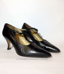 Винтажные ретро-туфли. италия