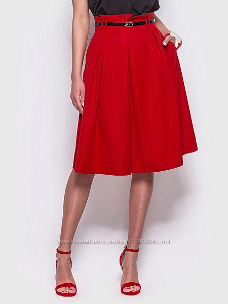 Модная юбка с удобными карманами по бокам
