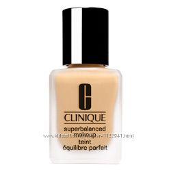 Продам CLINIQUE крем-пудру superbalanced