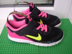кроссовки Nike р. 29. 5 , стелька 19 см