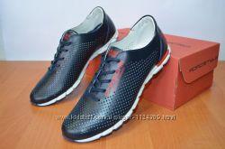 летние синие кроссовки