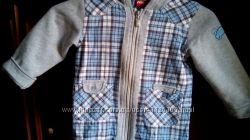 Легкая курточка ABC Design под жилет, с утепленными рукавами и капюшоном