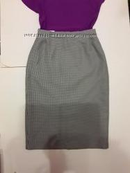 Актуальная миди юбка-карандаш в рубчик