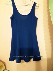 Красивое яркое платье ультрамарин