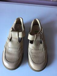 Красивые туфельки для мальчика