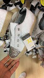 Красивые белые кеды/мокасины с вышивкой и блестками