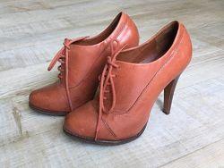 Оригинальные стильные кожаные ботинки schutz 37 размер