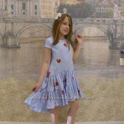 Красивое, эффектное платье хвостик