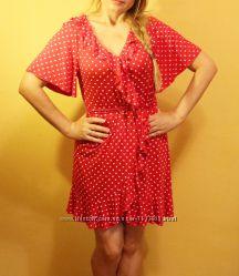 Красное платье на запах с воланами в горох s-m