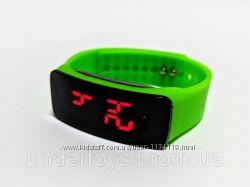 LED часы детские на силиконовом ремешке Led Clock