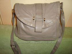 Шикарная кожаная сумочка  Betty Jackson Black