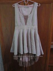 Шикарное фирменное платье хит бледно розовое
