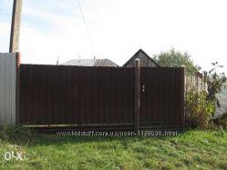 Продам пол дома в с . Ставище 50 км. от Киева.