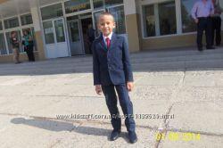Катоновый, фирмовый костюм на худенького мальчика Италия, 1-2 класс