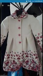 Пальто для дівчинки весна