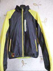 Куртка-ветровка Adidas на легком утеплителе