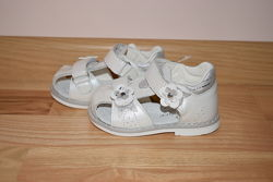 Босоніжки ортопед шкіряні Clibee АВ-2 білі р. 20-25 босоножки кожаные Клиби