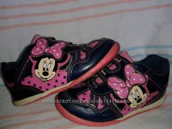 Красивые кроссовки на девочку Disney Minnie Mouse