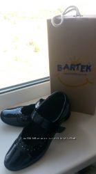 Срочно Туфли bartek 33 размер