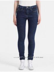 Зауженные джинсы женские Calvin Klein Jeans - р. 24