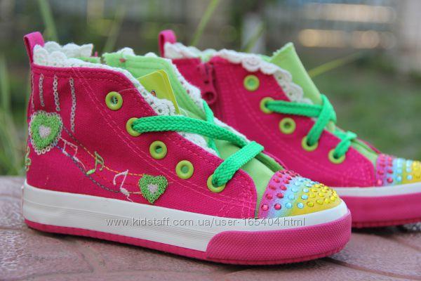 Яркие модные кеды для девочки