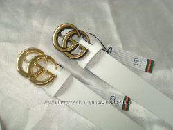 Модные белые кожаные ремни GUCCI .