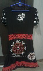 Модное яркое платье Desigual