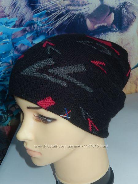 Теплая фирменная шапка на мальчика 8-10 лет, на голову 50-54 в идеале