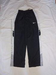Спортивные штаны 12-13 лет 152-158 см, Nike оригинал, в идеале