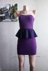 S42. Новое приталенное платье с баской без бретелей