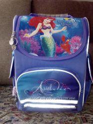 шкільний портфель для дівчинки
