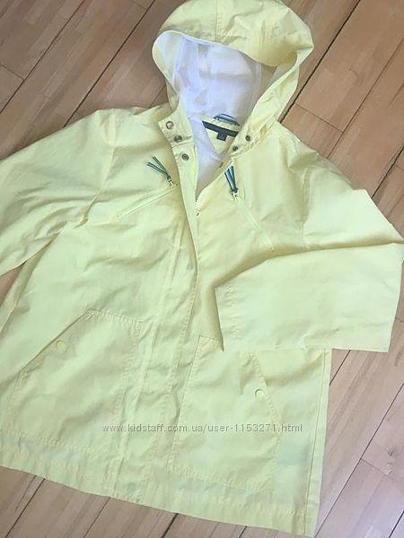 Лимонный дождевик от Tommy Hilfiger