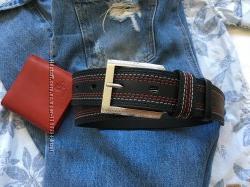 Яркий ремень под джинсы