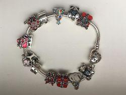 Красивый новогодний браслет Pandora с шармами