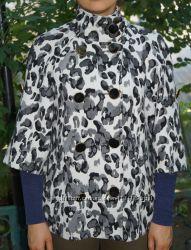 Стильное и оригинальное короткое пальто