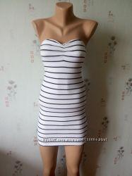 Короткое платье H&M по фигуре в черно-белую полоску XS
