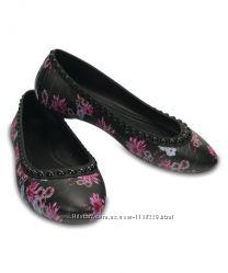 Брендовые, невесомые балетки, туфли, кроксы,  в цветы, Crocs, р. 38