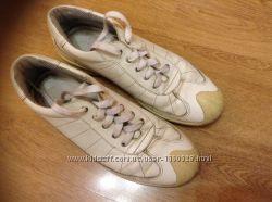 Продам кроссовки Ecco, р. 39, стелька 25-25. 5 см, кожа.