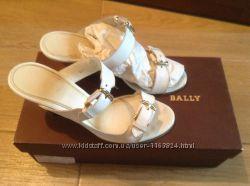 Кожаные белые шлепанцы Bally 36 р-ра оригинал